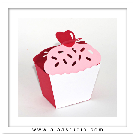 Heart on top cupcake box