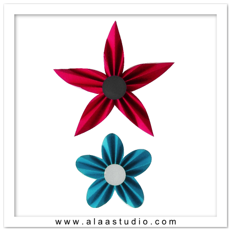 2 Pleated flowers